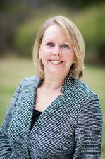 Laura J Clark