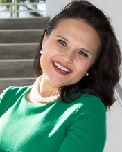 Miss Ioulia S Nikiforova